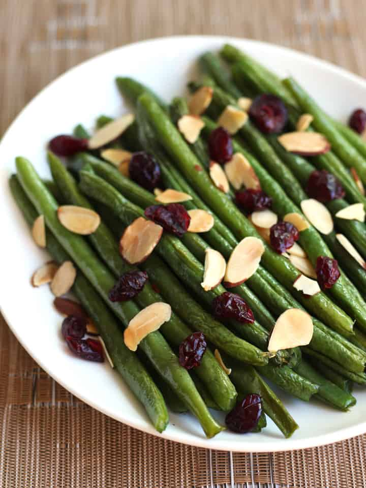 Toaster Oven Roasted Green Beans. Sweet, spicy, crispy and crunchy! Quickly add a delicious and healthy vegetable side dish to your next holiday meal or weeknight dinner.