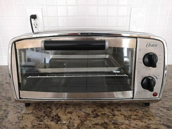 Meet the toaster ovens of Toaster Oven Love, including the tiny but mighty Oster TSSTTVVGS1