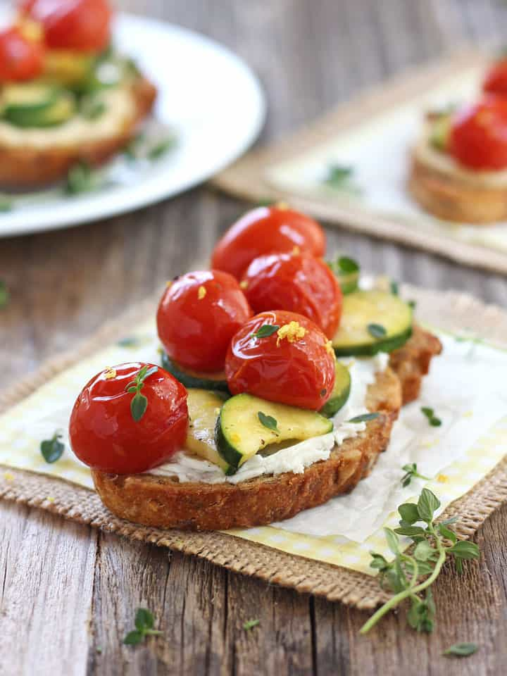 Healthy Toaster Oven Appetizers: Roasted Zucchini and Tomatoes Crostini